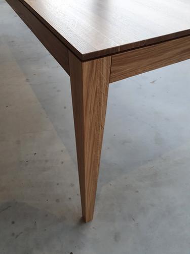 Tisch-Esstisch-Eiche-filigran-ranz-raumk