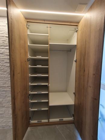 2020.04-Einbauschrank-Garderobe-Eiche-De