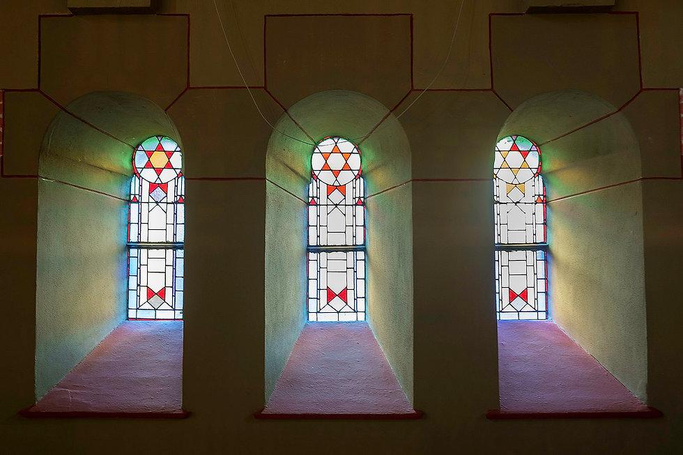 Synagogedrie_vensters.jpg