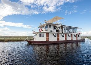 photo safari house boat