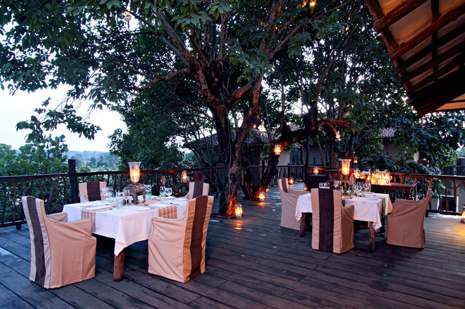 We offer fine dining and complimentary drinks during for all our guests here at Bandhavgarh, India