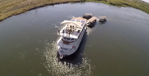 exclusive safari house boat