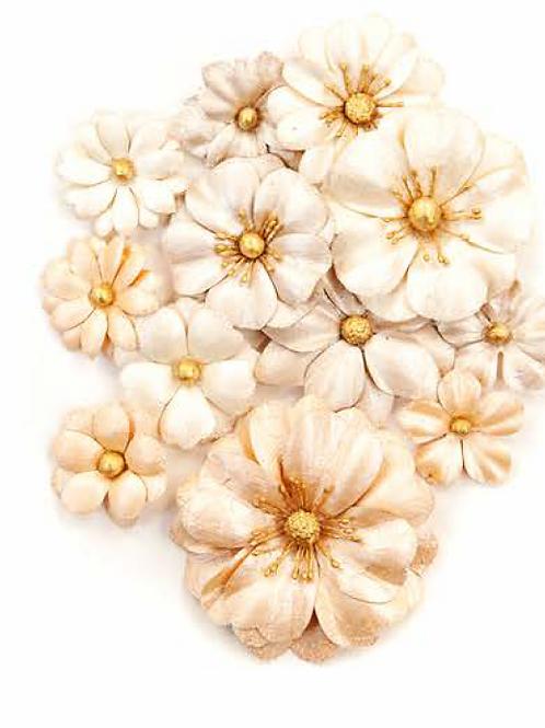 Prima - Pretty Pale Flowers - Light Dunes