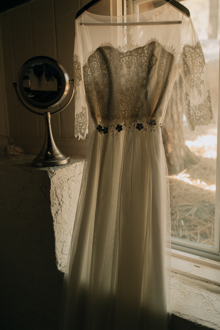 Vintage wedding dress perfect for bohemian brides.