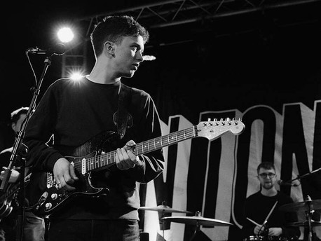 Ten Tonnes + The Pale White: Live @ The Deaf Institute, Manchester