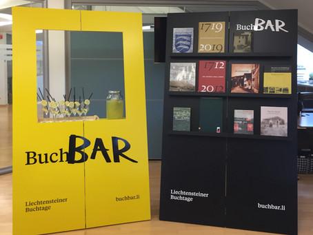 BuchBar auf Tour in der Galerie Hollabolla