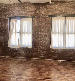 "<img src=""Brooklyn_Creative_Lofts_55_Meadow_Street_204.jpg"" alt=""Creative Loft Space at 55 Meadow Street Bushwick Brooklyn"">"