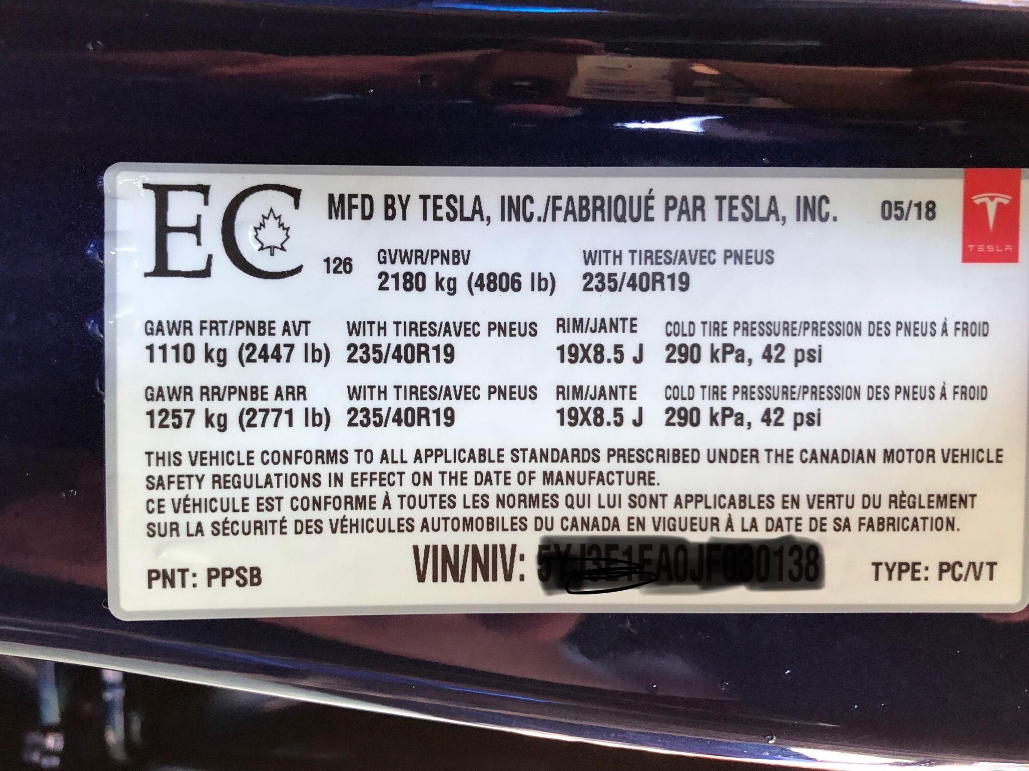 Model 3 Blátönn specs