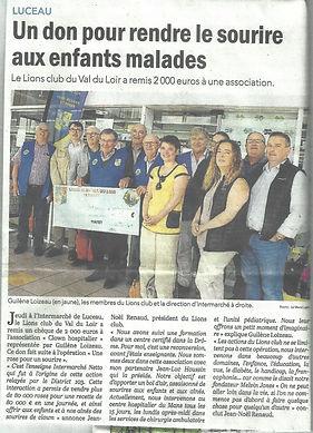 """L'opération """"Une Rose pour un sourire"""" destinée aux enfants malades , avec le soutien d'Intermarché, a permis de recueillir  2 000 € qui ont été remis aux """"Clowns hospitaliers"""" de la Sarthe"""