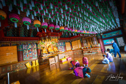 Hae Dong Yong Gung Temple Inside