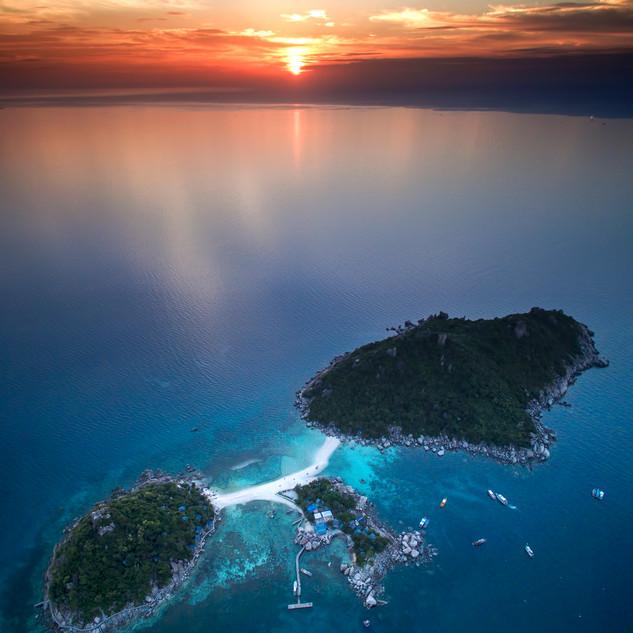Koh Nang Yuan Vertical Sunset
