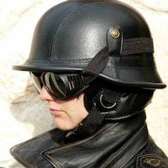 Retro helma NEMECKÁ, čierna koža
