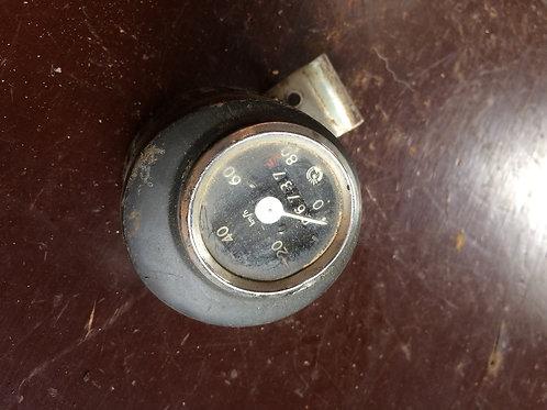 Tachometer s obalom