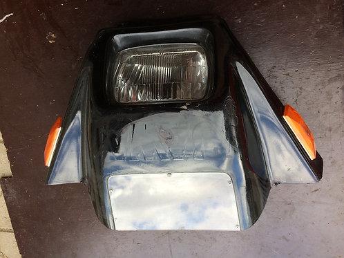 Maska predného svetla so svetlom
