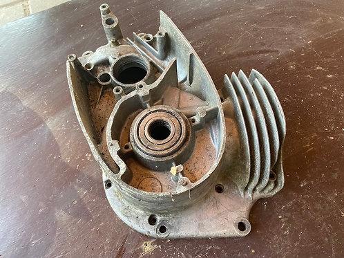 Pravý blok motora 354