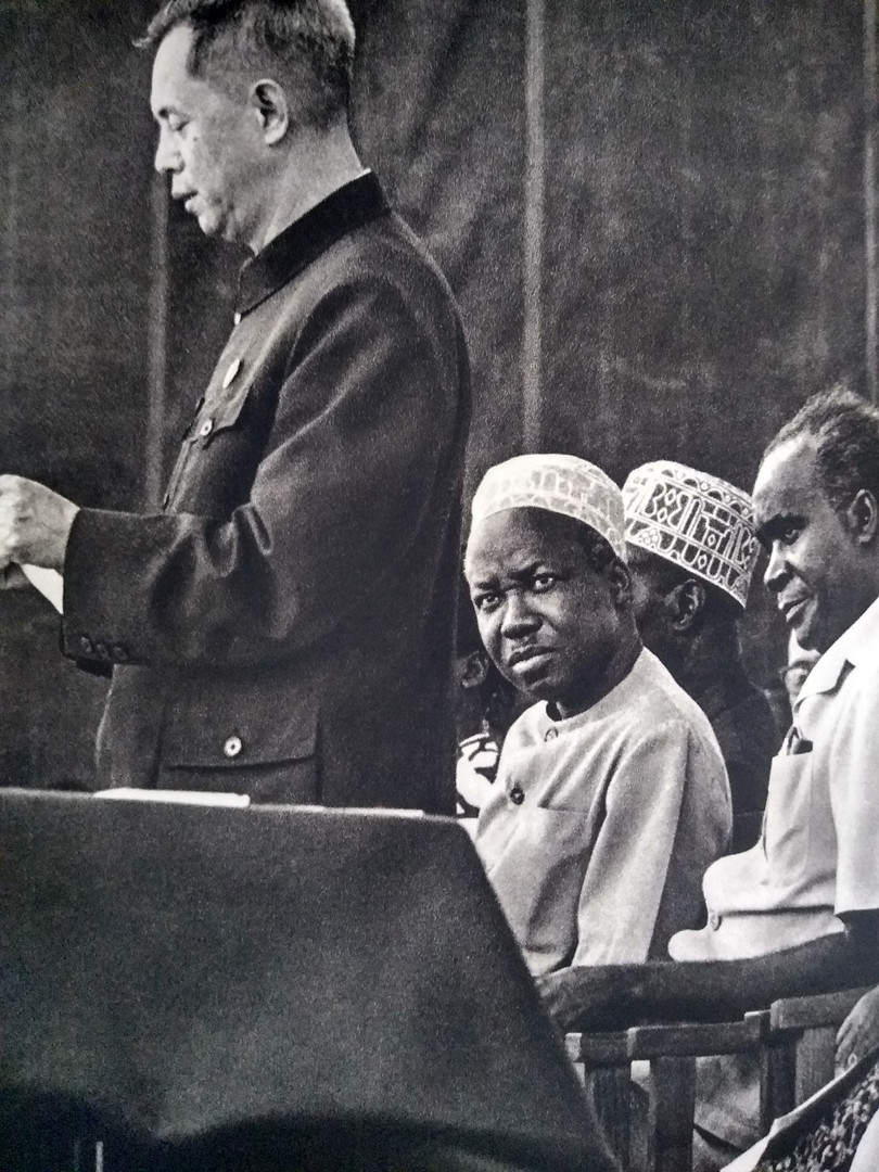 Ministro chinês inaugura mina de ferro na Tanzânia, década de 50