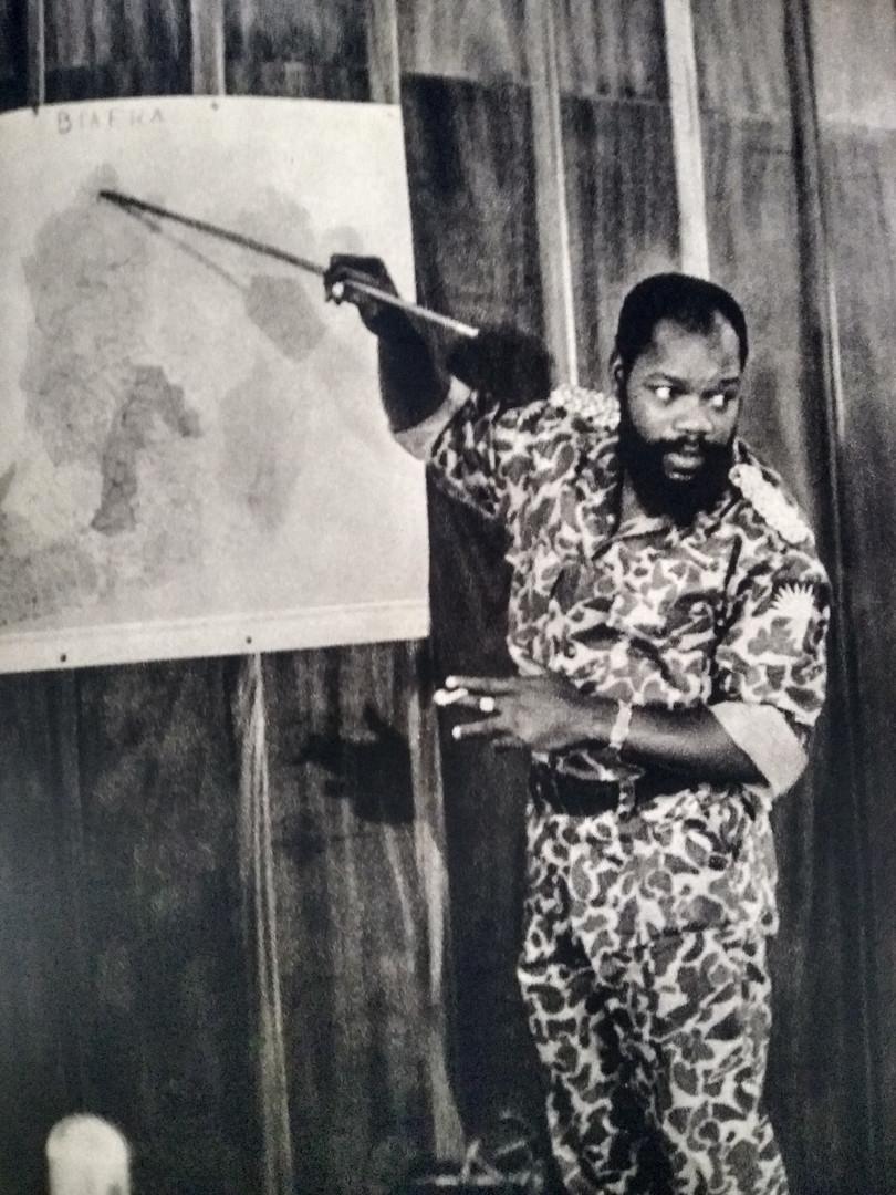 Coronel Ojukwu, chefe da Revolta de Biafra