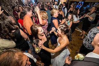 800x800_1462925912085-dancing-wedding-we
