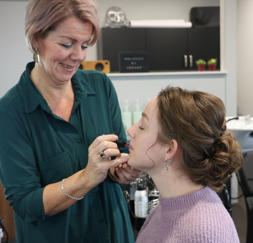 Make up en haar Topkop Kapper IJsselstein