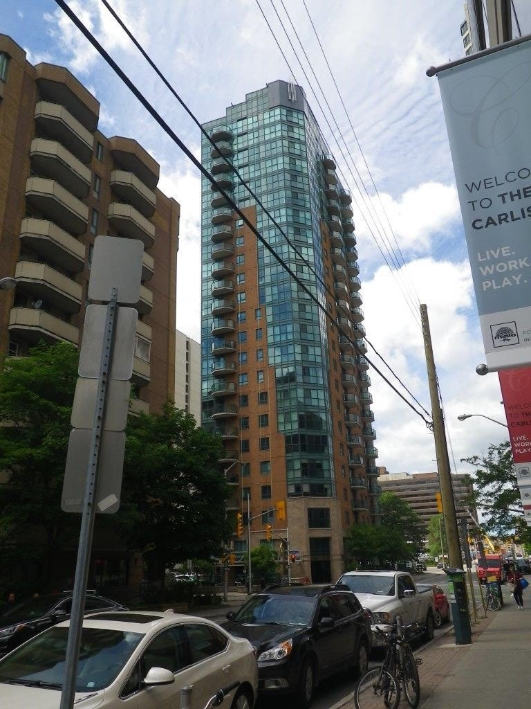 445 Laurier Avenue at Lyon