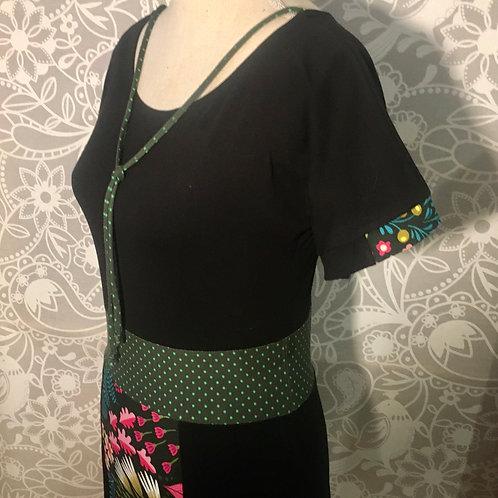 Robe noire bouquet de fleurs ceinture à pois taille S