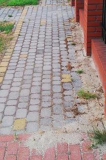 brudna kostka, czyszczenie kostki, mycie kostki brukowej Bydgoszcz