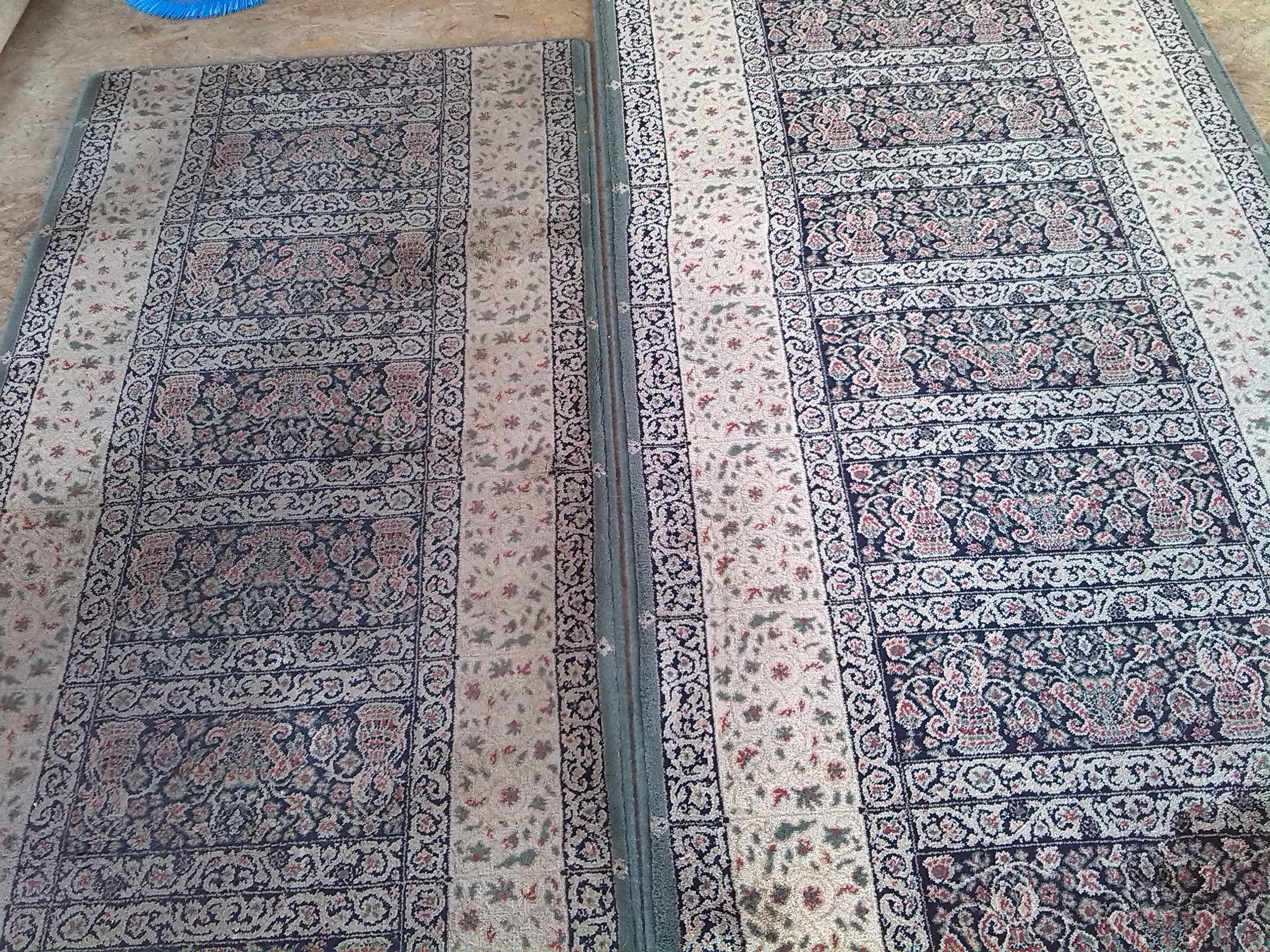 Porównanie dwóch dywanów wełnianych