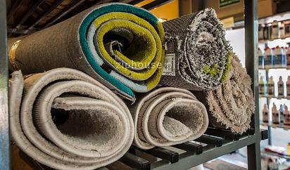 Przygotowanie dywanów do spakowania i transportu