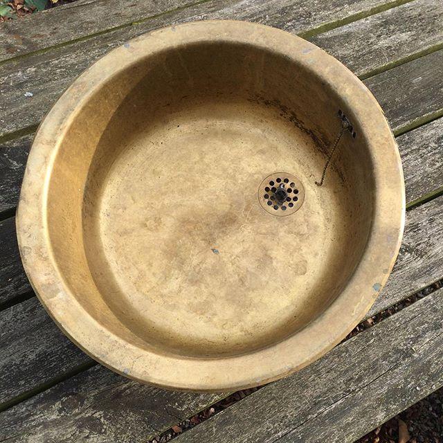Patineret messingvask 275,- #loppefund #loppemarked #teak #vintagefund #brugtemøbler #genbrug #loppe