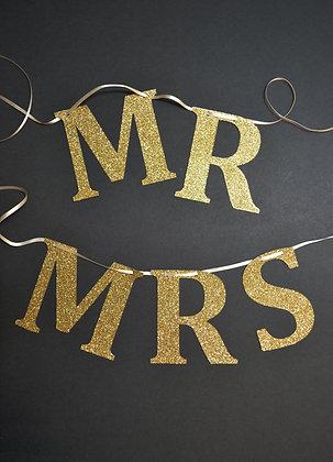 Gold Glitter Mr & Mrs Garland
