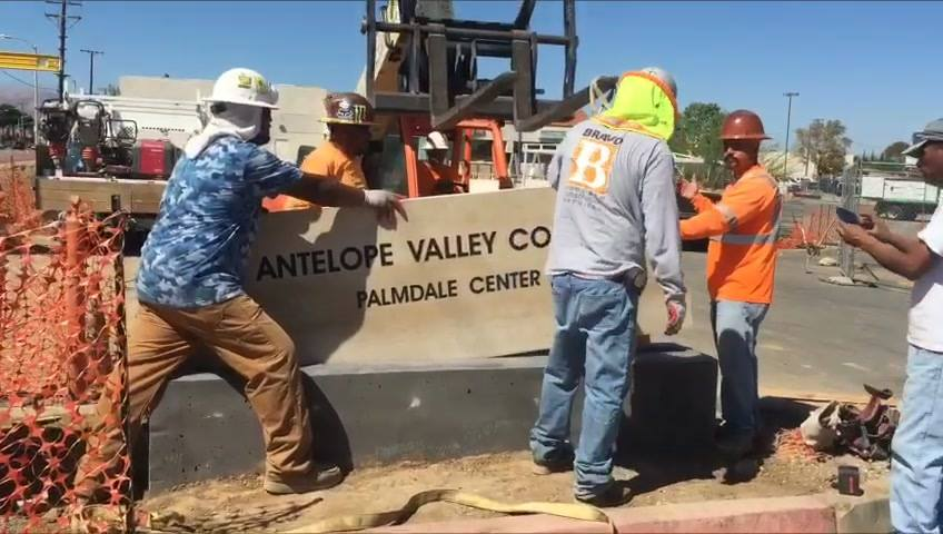 Antelope Valley College Palmdale site, the new sign was placed by the Bravo Company.  The wait is almost here, once the site it's complete. AVC will have the capacity of accommodating thousands of students throughout the year.   On earlier press rele