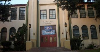 Los Angeles schools close their doors to immigration agents