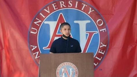 Palmdale VIDA alumni awarded a scholarship from the UAV.
