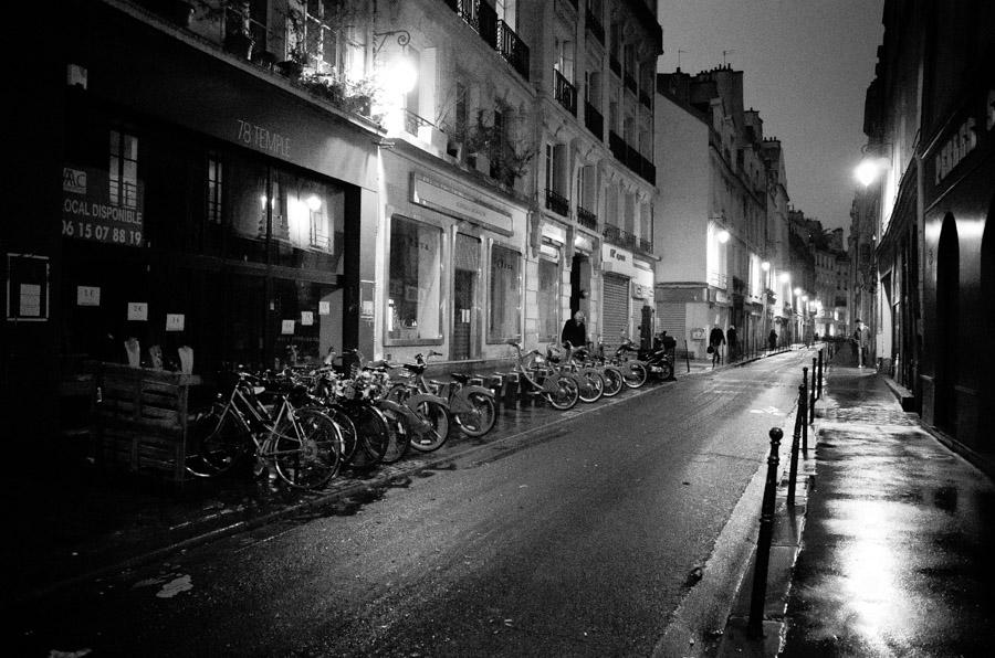 Paris Bikes-010499.jpg