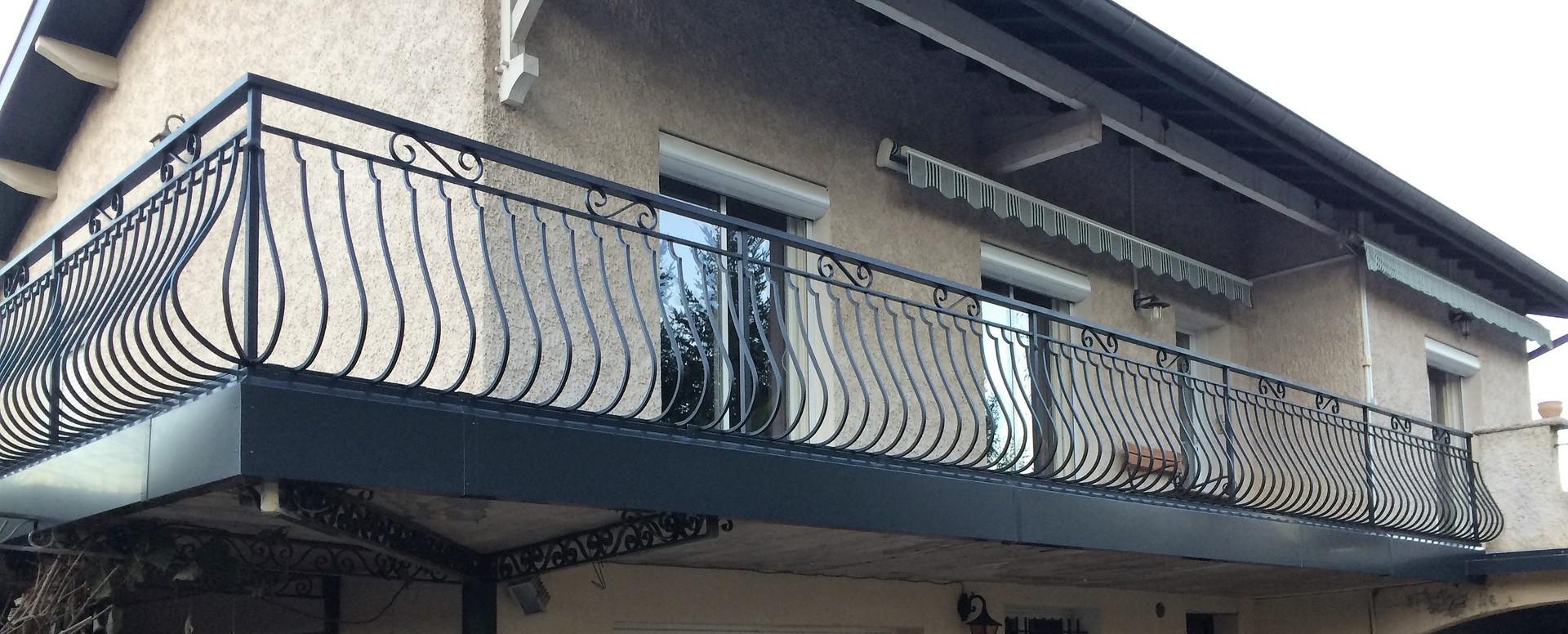 Habillage métallique balcon étanchéité