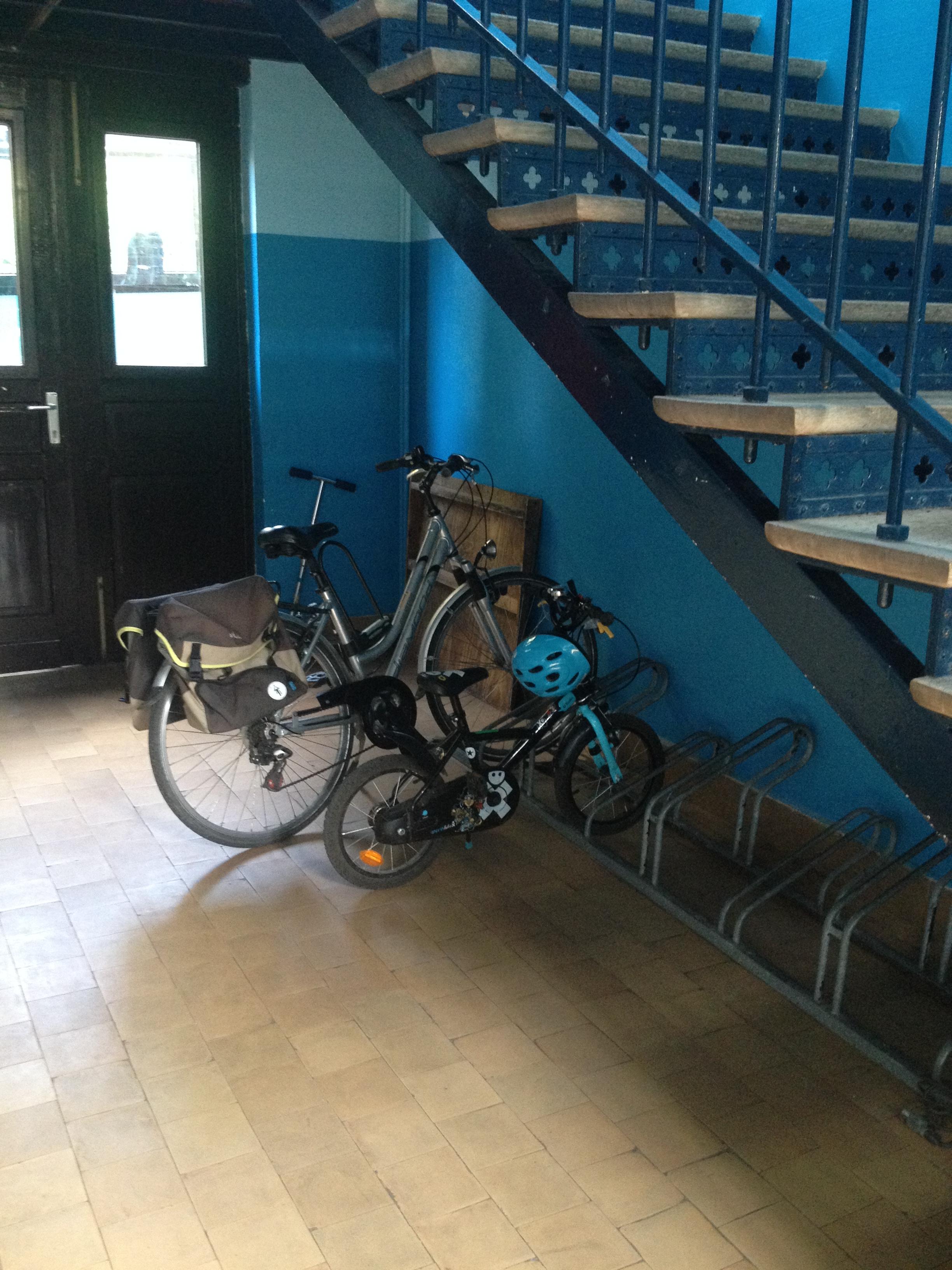 Espace vélos et trottinettes