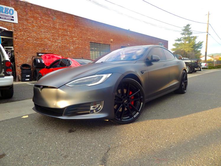 2018 Tesla Model S P100D W/ Niche Custom Wheels