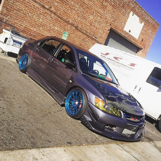 Mitsubishi EVO VIII W/ Custom Wheels