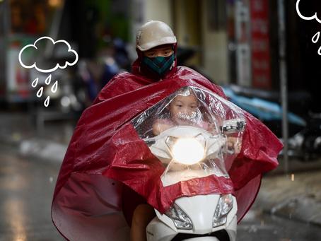 6 Điều phụ huynh bắt buộc phải tuân thủ khi đưa đón con mùa mưa