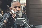 Man Shaving iStock-831586184.jpg