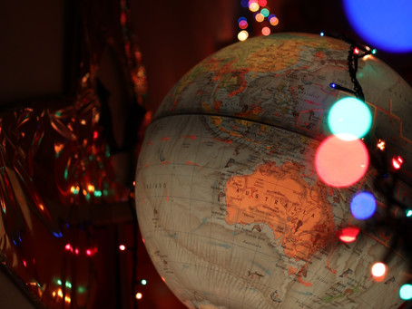 25 Travel Themed Stocking Fillers For Under £20 | Travel Lover Gift Guide