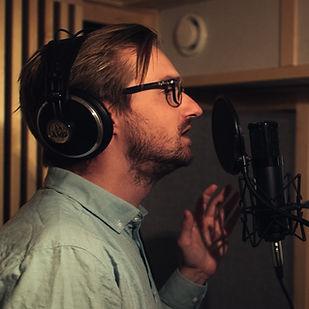 Andreas synger.jpg