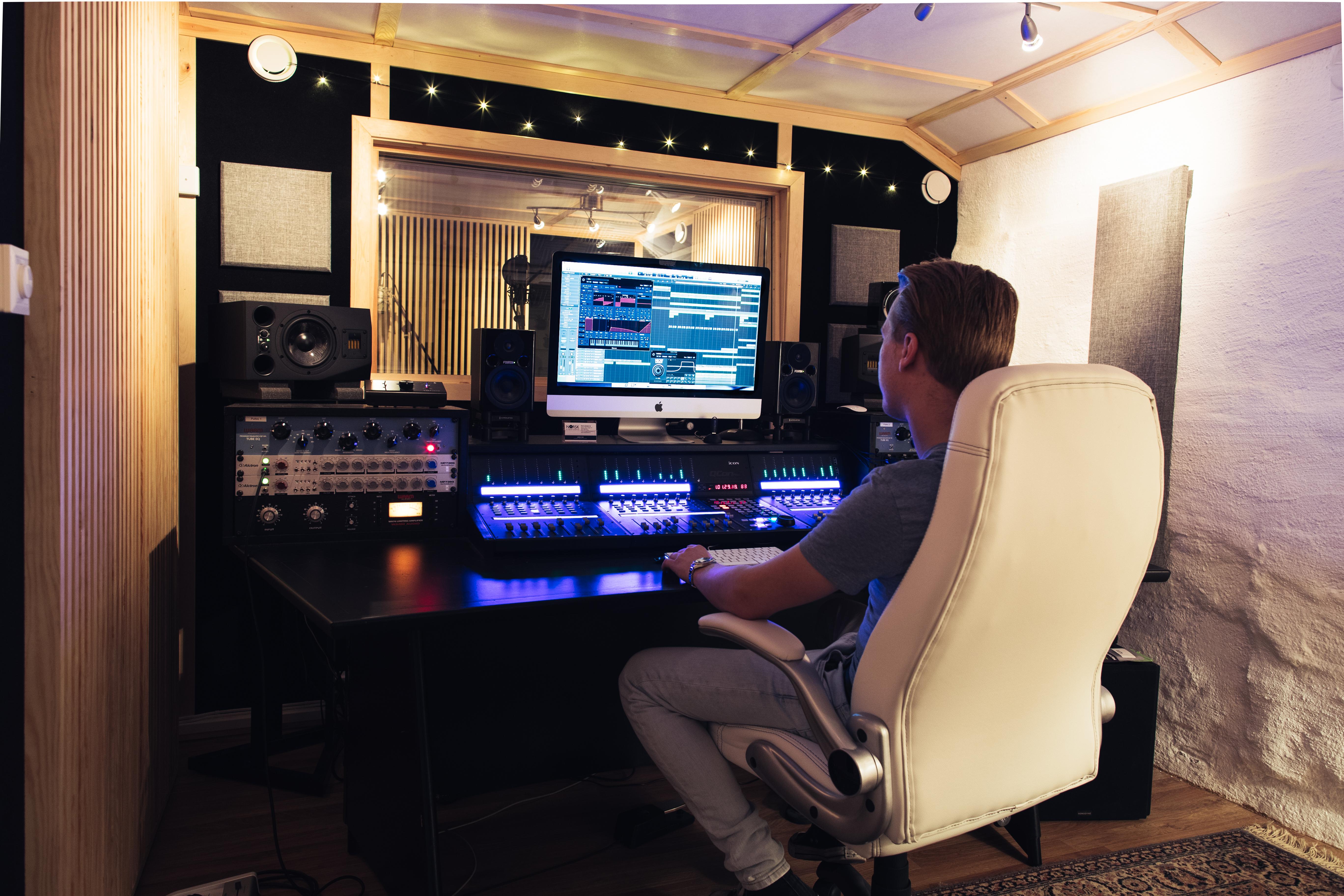 Jonas working
