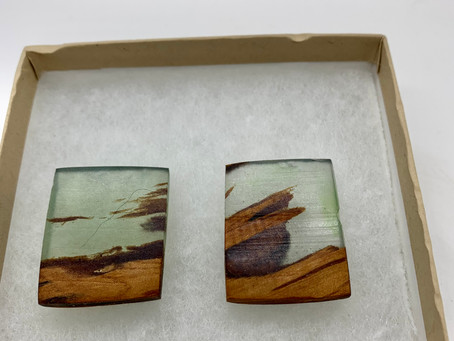 Resin/Wood Jewellery is special now until December 12th!