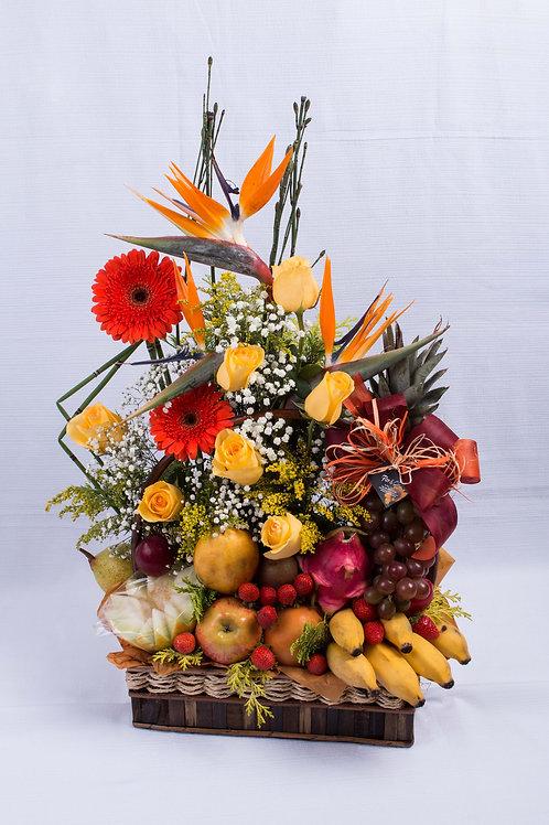 Cestas de Frutas e Flores