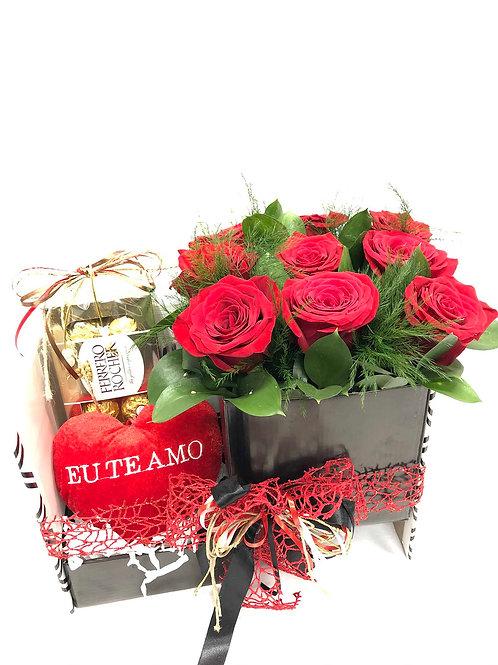 Caixa com Rosas, Ferreiro Rocher e Coração