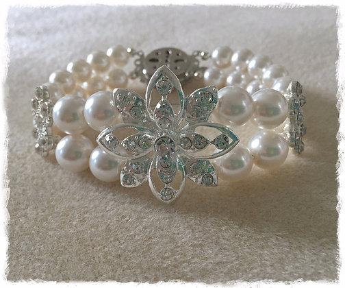Floral N Pearl Embrace