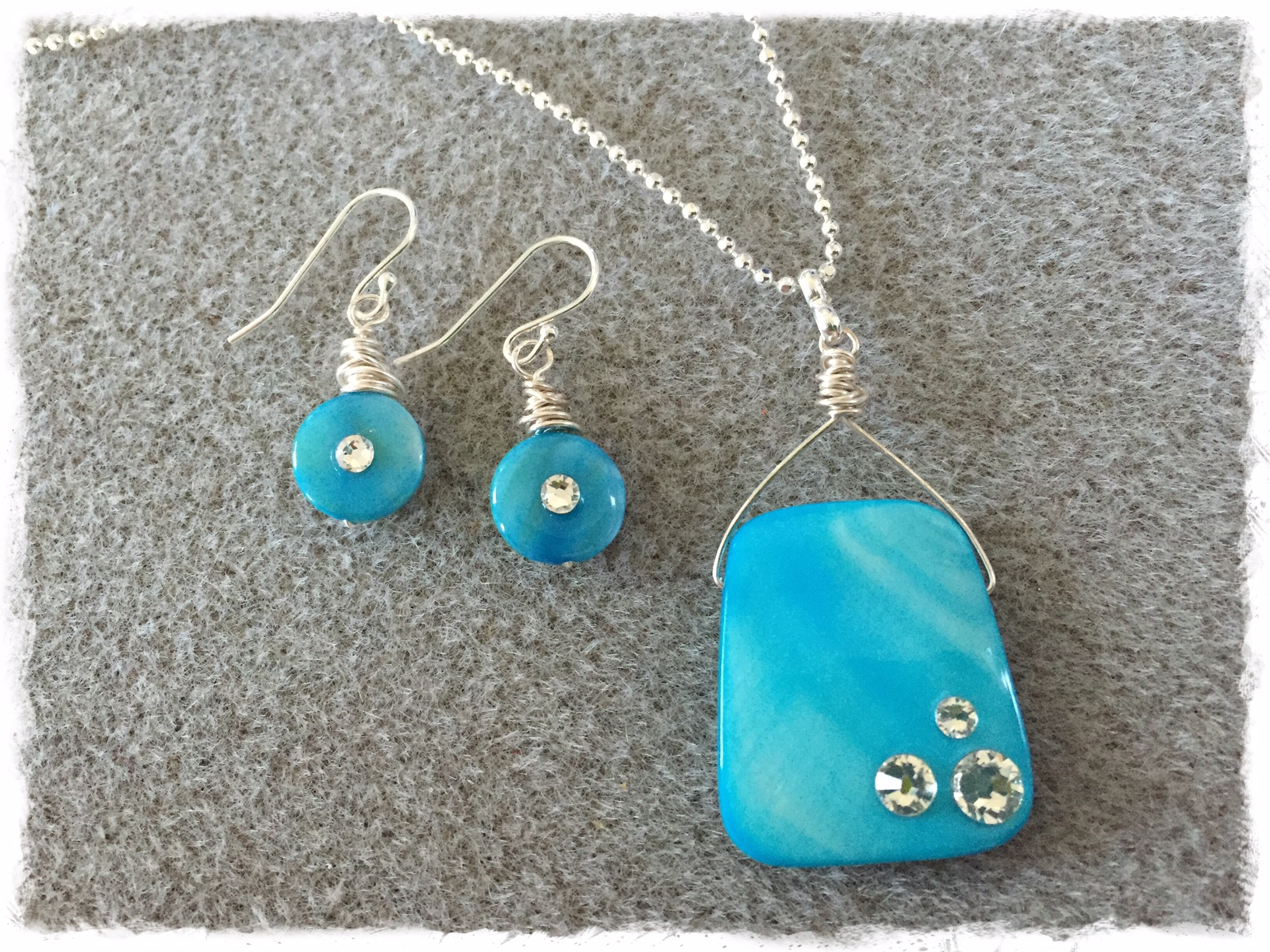 Swarovski Kissed- Turquoise Shell