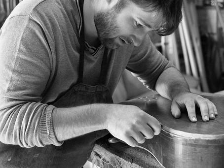 [Métiers de la Culture] Thibaud Mignon, luthier. Aux sources du son