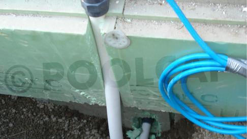 Beispiel Kabelführung nach außen